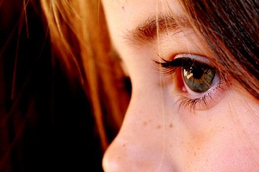 eyes child