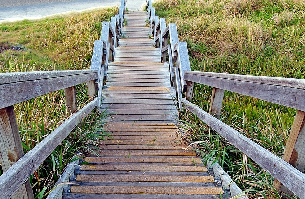 stairs-1406770_1920