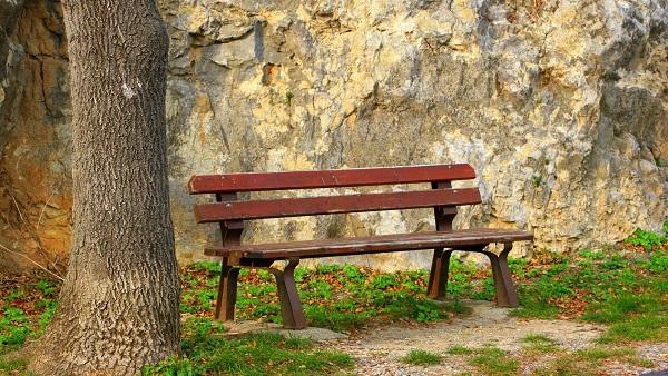 bench-1122137_1920