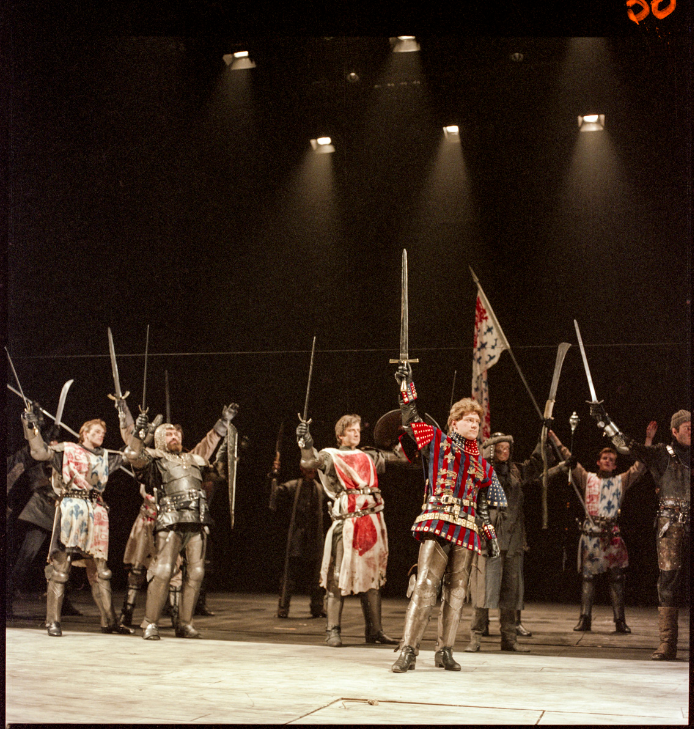 3.Kenneth Branagh in Henry V (1984). Joe Cocks Studio Collection © Shakespeare Birthplace Trust